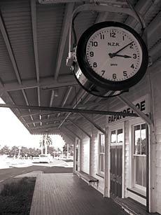 Papatoetoe Railway Station